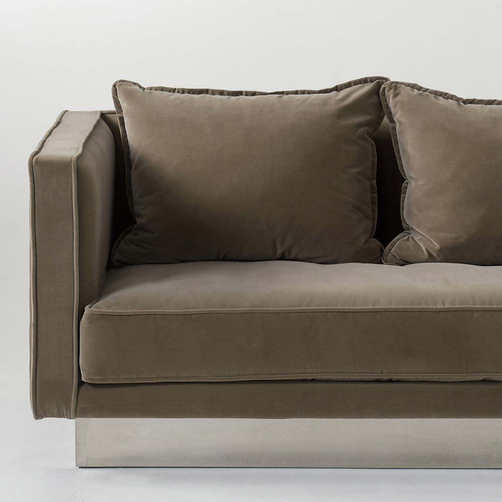 Merveilleux Dylan Sofa   Chocolate
