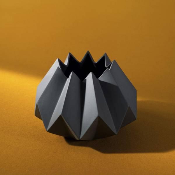 Folded Vase - Carbon